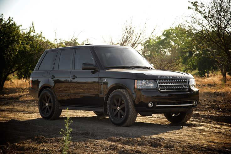 "2010 L322 facelift full size range rover HSE | 2"" lift on 33"" tires"