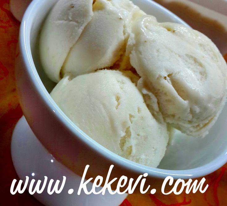 Evdeki olgun muzlarınızla nefis muz aromalı ev yapımı dondurma yapın. Malzemeler: 2 adet olgun muz 3/4 su bardağı tozşeker 2...