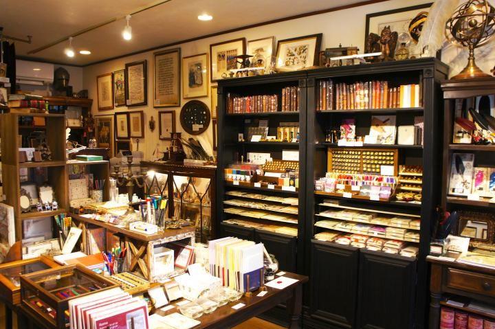 輸入雑貨店「ジョヴァンニ」で、クラシカルで美しいイタリア文具に出会う|ことりっぷ
