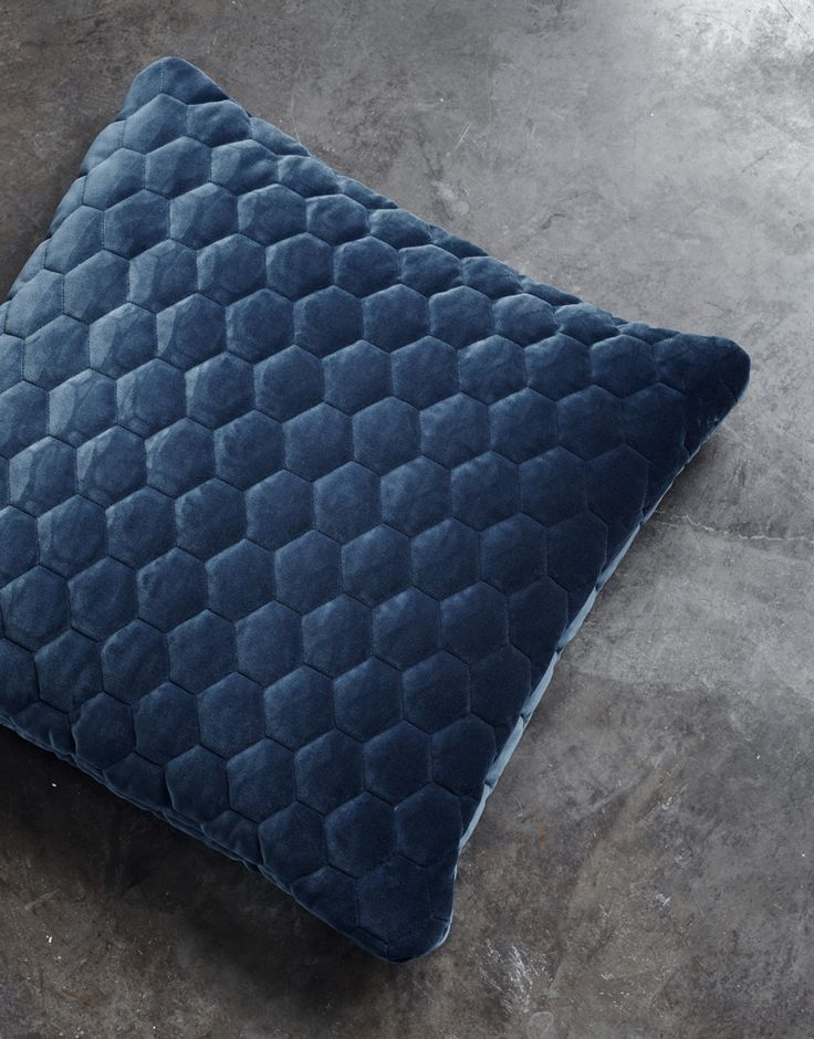 Sophisticated and cozy at the same time. The Diamond pillows are unique in every way. The three-dimensional velvet has a graphic hexagonal diamond structure softened by a premium triple quilting to give a plush look and comfy feel. The Diamond pillows are designed and handmade by order in Denmark.