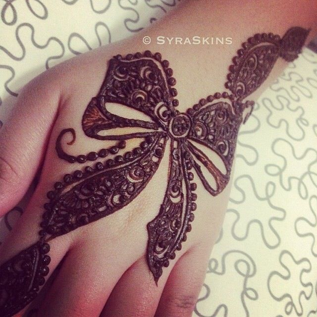 bow design mehndi