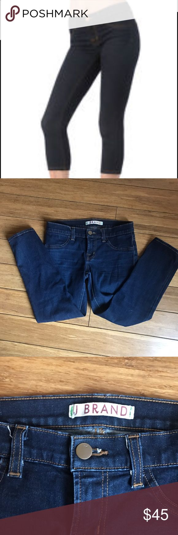 J Brand Starless Skinny Capri, 25! Great condition, J Brand Starless Skinny Capri in 25. Stretchy and amazing fit! J Brand Jeans Ankle & Cropped