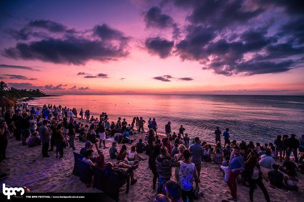 El BPM Festival 2015 regresó para una octavo año exitoso en Playa del Carmen, México. Con 60.000 amantes de la música de baile que se unen de más de 60 países durante 10 días bañados por el sol y las hermosas noches que ofrecen más de 375 artistas en las fiestas de 80 o más,... Read More