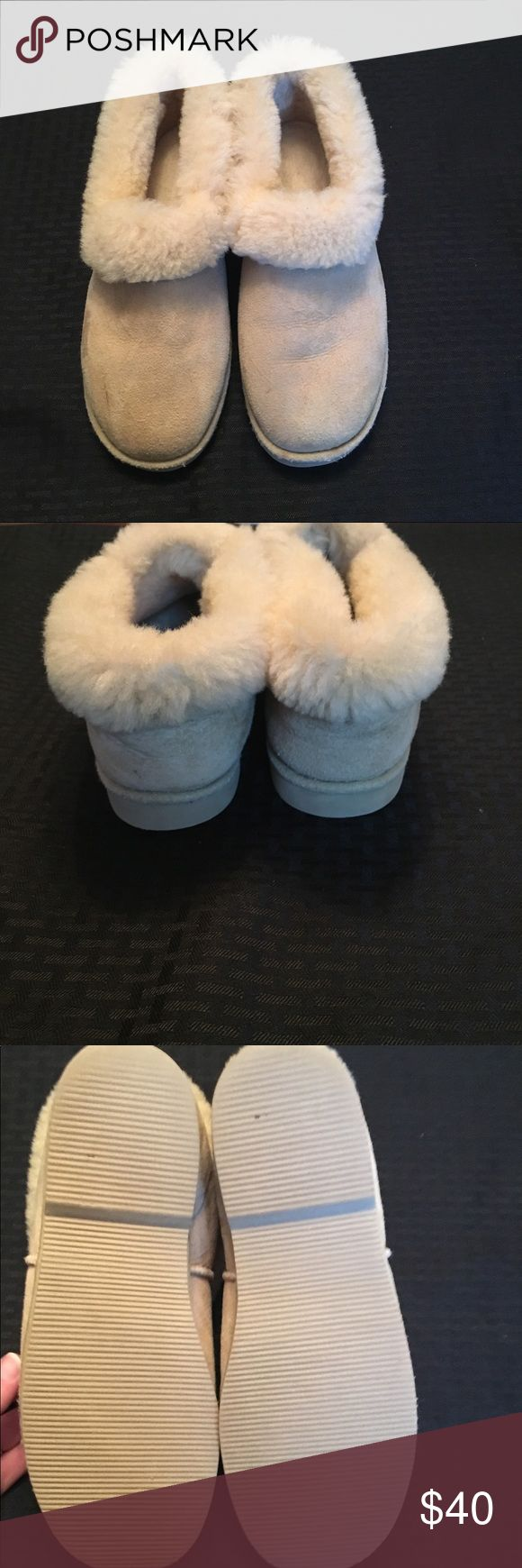 SALE 😴 Eddie Bauer Sheepskin Slippers😴 Super soft outside and extremely warm inside. These slippers were worn once indoors for short period of time. Great condition, but a mark on front right front toe (see pic) and one on back heel. So much life and warmth to them ☺️Reasonable offers accepted, thanks for looking 💋 Eddie Bauer Shoes Slippers