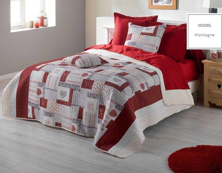 Narzuta do sypialni w kolorze białym w czerwone wzory