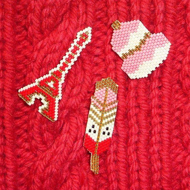 3 p'tites broches et puis s'en vont! #toureiffel #eiffeltower #religieuse #plume #perles #miyuki #miyukibeads #brickstitch #jenfiledesperlesetjassume Merci @matiere.premiere pour le matériel!