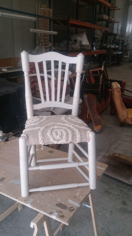 Taburete de Bar modificado en silla vintage con tela de arpillera y algodón 100%