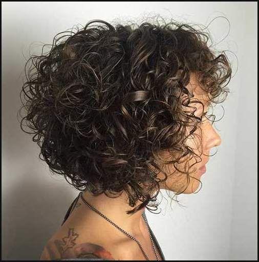 15 Bilder Kurze Locken Frisuren Fur Damen Kurze Frisuren Haar Einfache Frisuren Curly Hair Styles Naturally Hair Styles Short Wavy Hair
