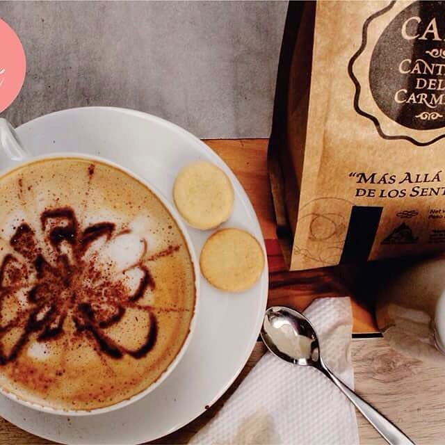 ¡HÀO! 🙌🏽 ¡Hoy es Viernes! viernes de música, de experiencias diferentes, de arte, de soltar toda la semana que pasó.  Puedes leerte un buen libro acompañado de un café en Hào. Café Cantar del Carmen el Mejor café de Cundinamarca para el mundo y esta aqui en Hào. ¡Pruébalo! Es delicioso.  Prueba nuestros smoothies y platos disfrutando de la buena musica y el mejor ambiente.  Calle 36#24-56. Bogotá. #haobogota #cafe #vegetarianos #vegetarianosenbogota #veggie #dondecomerbogota #capuchino…