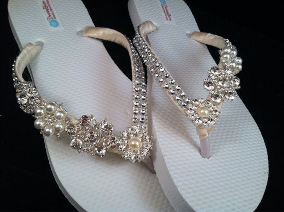 These come on white flip flops. They are the default. Please contact me for other colors - not all colors shown are available. There are no ivory