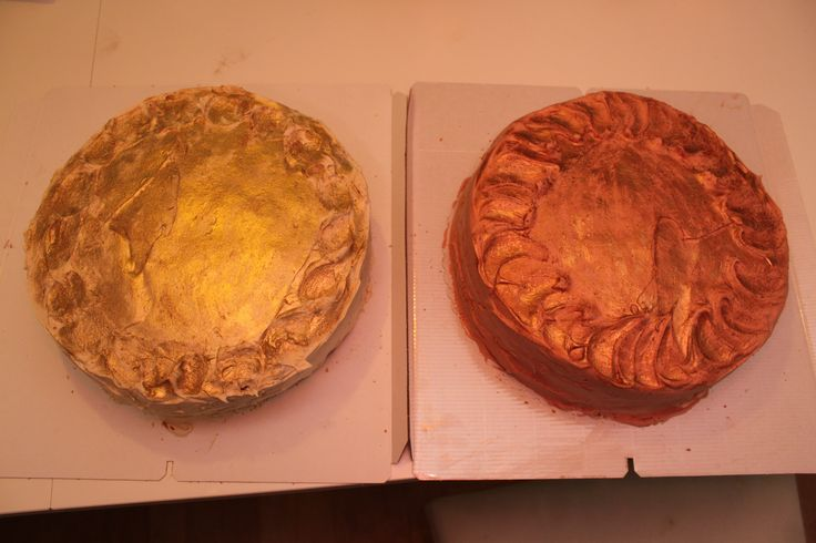 Gold and Bronze metal cake for Espoo Fencing team