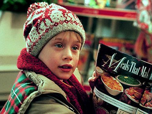home alone.Christmas Time, Home Alone, Thanksgiving Traditional, Christmas Movies, Favorite Christmas, Wonder Time, Holiday Movie, Kids, Favorite Movie