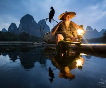 #CHINA go-fishing-in-the-night-with-cormorant-at-yangshuo