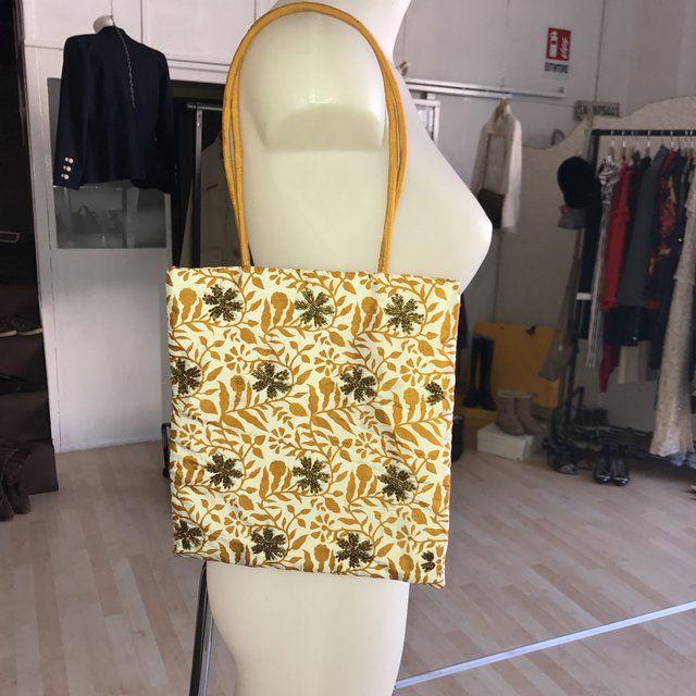#vantovintage #negoziovintage #paganivintage #viacomunaleamalfitana9v #modavintagepagani #secondhand #moda #shopping #idearegalo #vantopagani