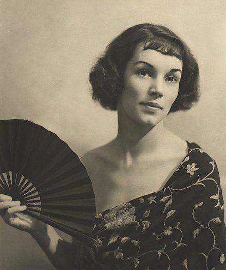 The black fan, 1931  by Harold Cazneaux. (versión vintage de @Cynthia Rodriguez)