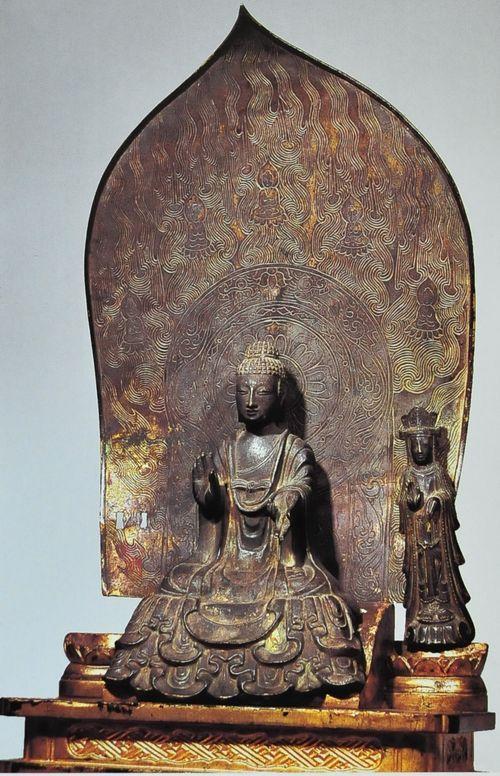 銅造釈迦如来および脇侍像 法隆寺大宝蔵殿 628年
