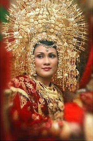 Minangkabau people--The Minangkabau ethnic group, also known as Minang (Urang Minang in Minangkabau language), is indigenous to the Minangkabau Highlands of West Sumatra, in Indonesia.#pindonesia
