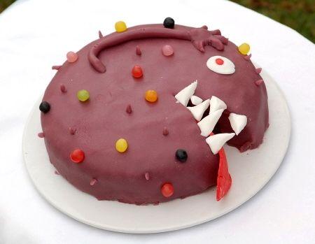 Gâteau d'anniversaire Monstre                                                                                                                                                     Plus