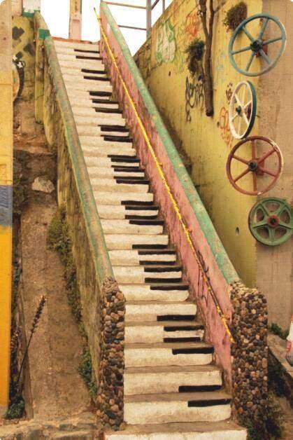 escalera decoración musical