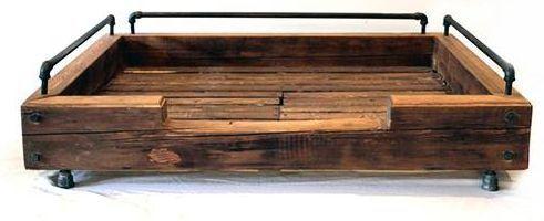 Hondenmand van steigerhout of pallets zelf maken.