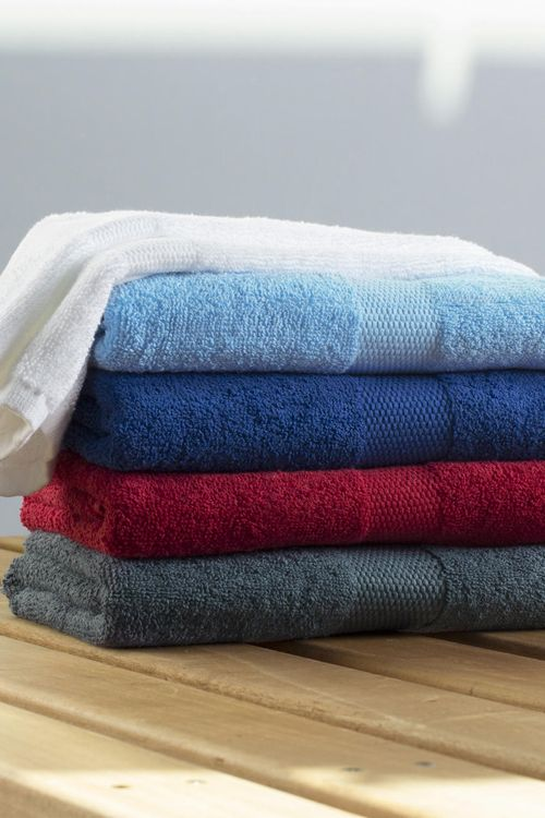 Prosop Tiber 50x100cm Towels by Jassz din 100% bumbac (pieptănat)