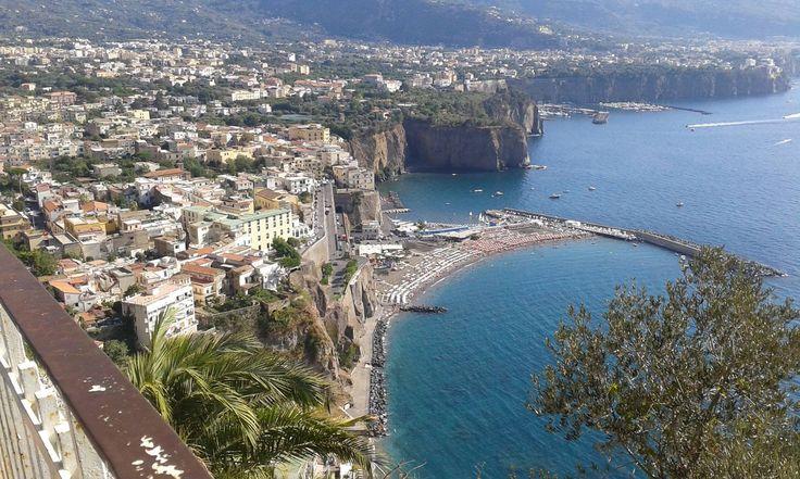Ókori romok, romantikus barlangok, festői partszakaszok, limoncello és mozzarella... http://kozelestavol.cafeblog.hu/2017/11/02/festoi-hangulatu-varosok-del-olaszorszagban/