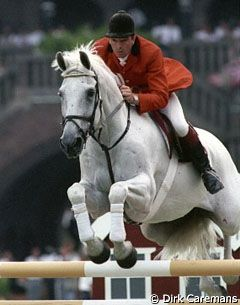 Superstar Henderson Milton, the white wonder horse of John Withaker, passed away. Magic Milton was able to handle every single jump and even when he knocked down a pole, everybody knew it was not his fault.