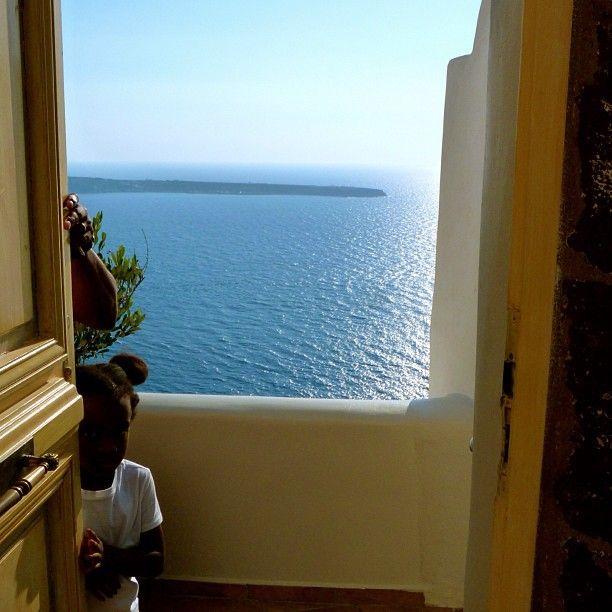 #Door to #heaven! #ArtMaisons #Santorini #Greece Photo credits: @photobloggingdee