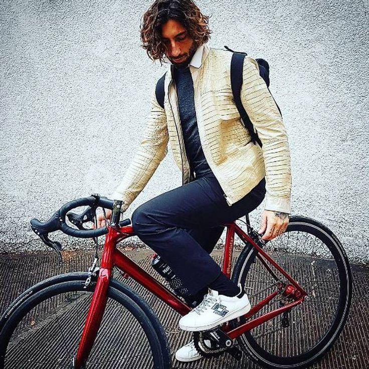 Basic, yet stylish. Brumotti #Dontstop #LottoSportIndia