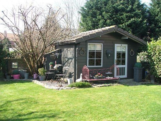 1000 id es propos de abris de jardin sur pinterest. Black Bedroom Furniture Sets. Home Design Ideas
