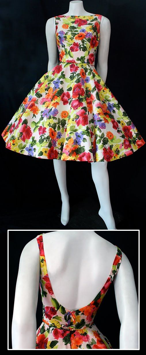 vintage 50s dress; if women wore dresses like this I think the world would be a happier place. How can you help but smile?