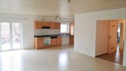 Reichenbach-Steegen: Sehr gepflegte Wohnung 2 Zimmer Küche Bad
