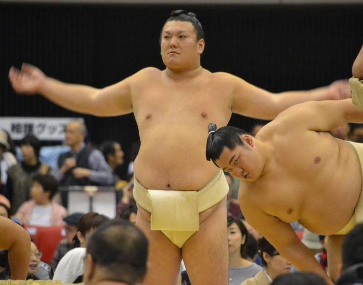 勢「うにを中心に40貫」大阪里帰りですしを堪能 #相撲