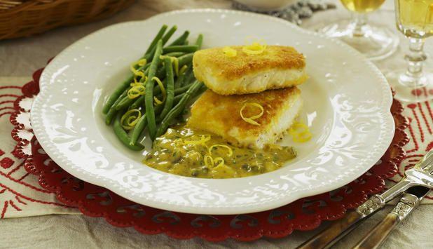 Panert kveite med sennepssaus og olivenbrød - Godfisk