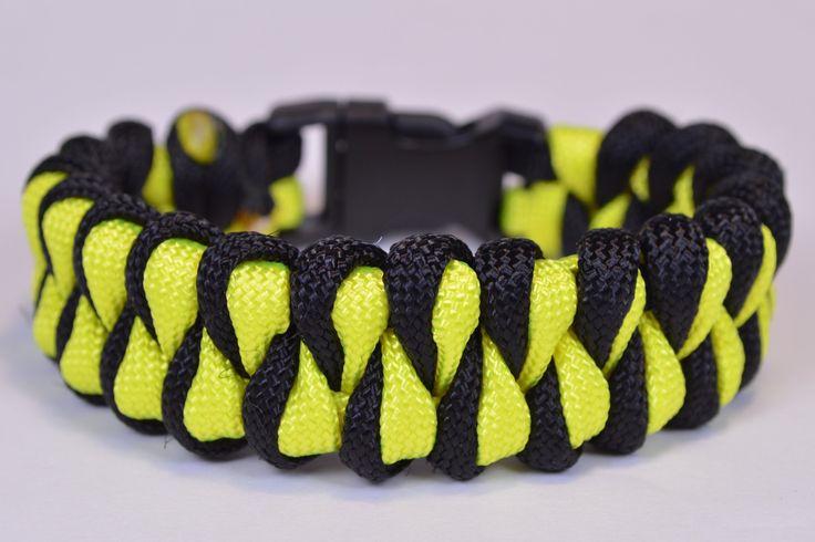 "Make the ""Growling Dog"" Paracord Survival Bracelet - DIY - BoredParacord"
