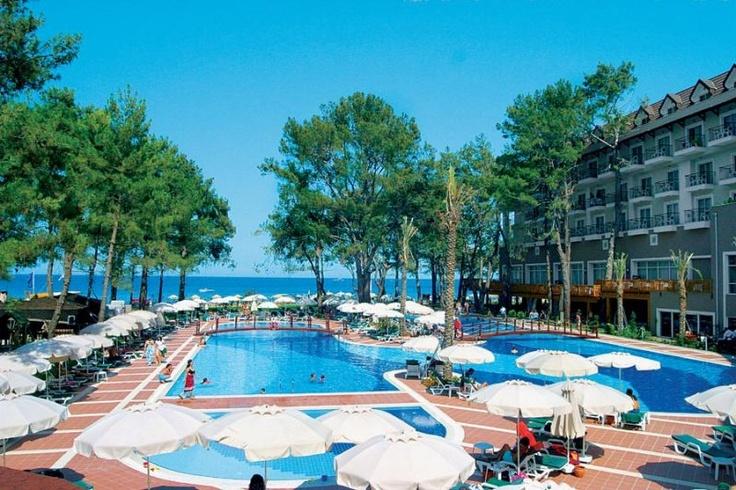 Hotel Amoaras Resort  is a  best #Resort in #Brazil.