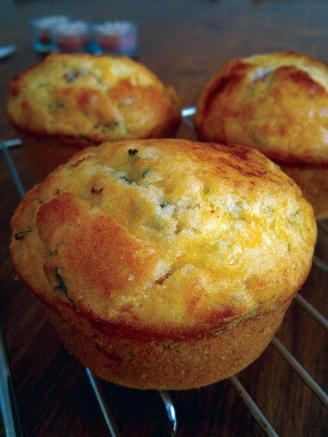 Resep | Muffins met spek, kaas en grasuie