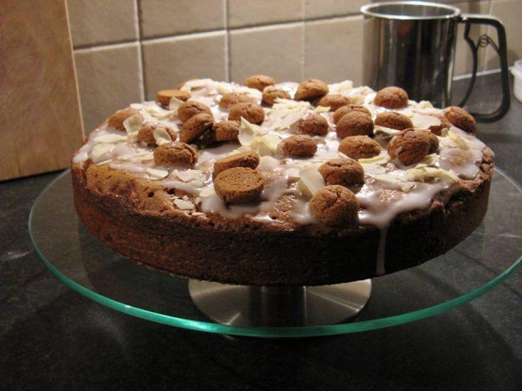 Sinterklaasje kom maar binnen met je taart! Deze pepernotentaart met glazuur is gewoonweg verrukkelijk! - Zelfmaak ideetjes
