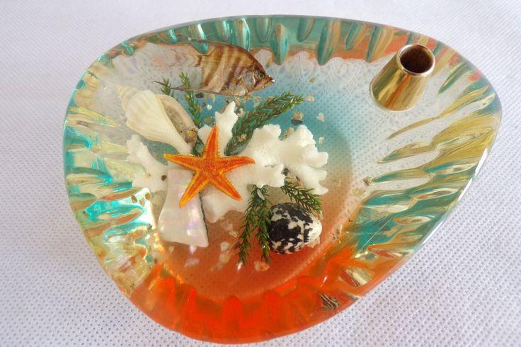 Porte stylo en lucite vintage avec inclusion de coquillages, corail, poisson / vintage France / cadeau pour elle ou lui /  bureau de la boutique decobrock sur Etsy