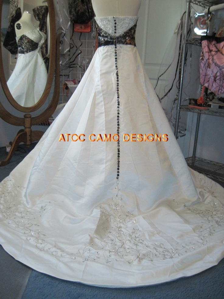 Hailey my absolute favorite dress with camo accents i for Camo accented wedding dresses