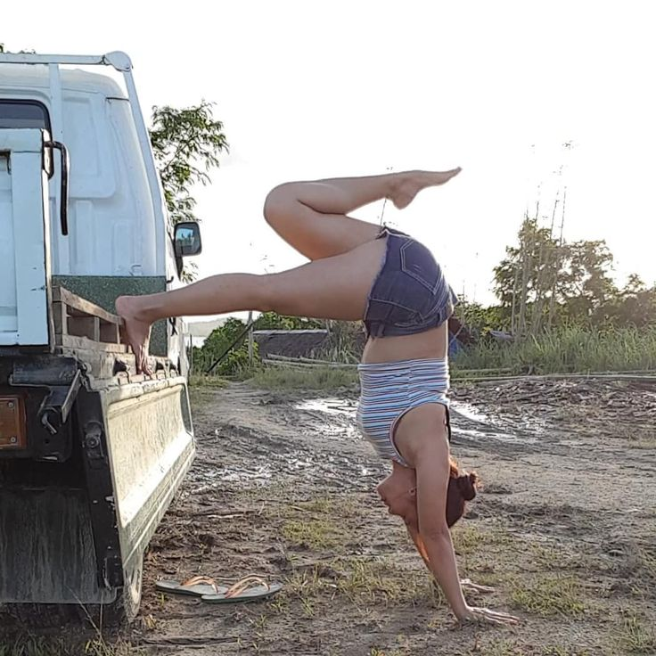 Day6 #inversion . . #CreativeSpringYogis  . . CREATIVE HOSTS:  @suchitra_rx.  @yogi.hemaxi  @mikaila_nyc  @yoga_helwahtin .  AMAZING SPONSORS:  @pawpawyogawear  @mandalaapparel  @arcayogamat  @faithfoxdesigns  @szmalas  @narabellabrand  @mymalanecklace  @akasha_malas  @treelanceyoga  Here are our 7-day Asanas: .  Day 1- Standing balance  Day 2- Lizard pose  Day 3- Arm balance  Day 4- Backbend  Day 5- Forward fold  Day 6- Inversion  Day 7- Reclined/ Infinity pose .  Let's play together to…