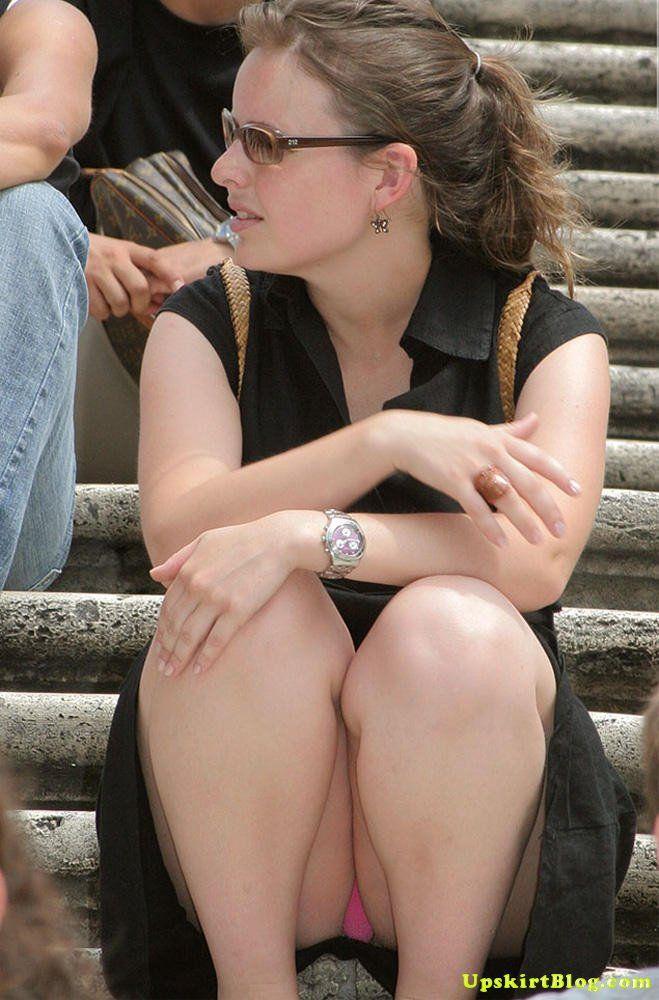 Accidental-Sitting-Public-Upskirt.jpg (659×1000)