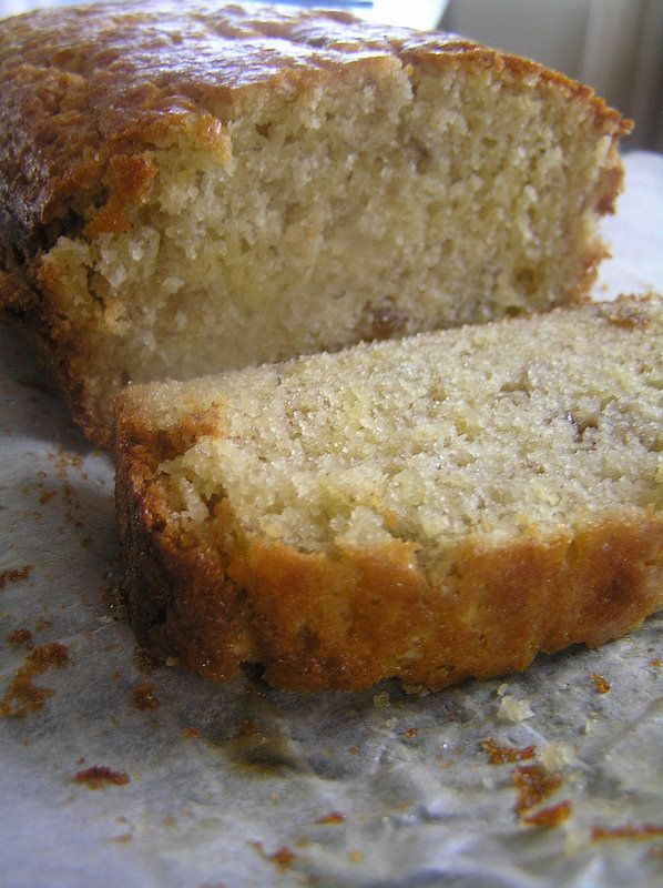 One of the most popular recipes on my blog….and in this house is my banana bread. It never lets me down and is always a winner. So here it is………………..a vers…
