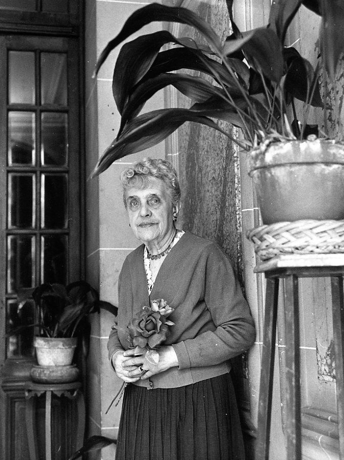 Robert Doisneau // Housekeepers - Concierge Paris avril 1964