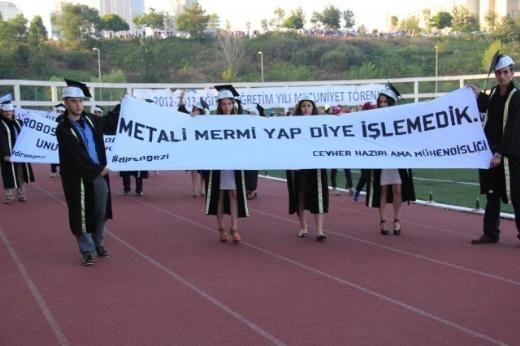 İTÜ mezuniyet töreninde Gezi protestosu