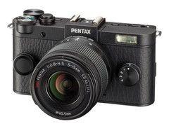 価格.comマガジン デザイン刷新の新型「PENTAX Q-S1」が登場! クラシックな雰囲気の筐体は初代モデルを彷彿とさせる?