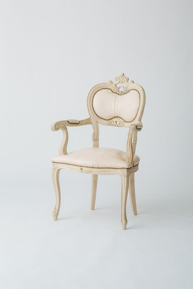 Un-TIQUE NEWTIQUEの素敵な椅子
