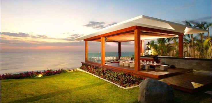 Beach Front villa in #Uluwatu http://www.balilocations.com/fr/villas/jimbaran/bvji845