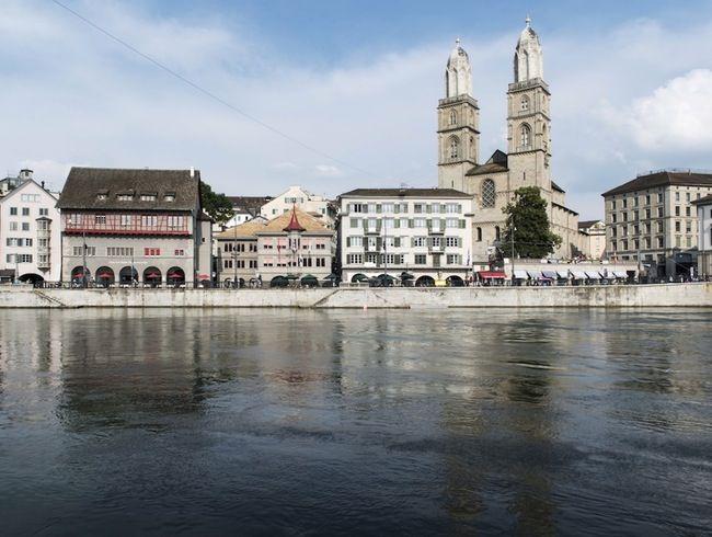 Grossmünster: Zurich's Twin Towers