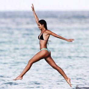 Hottest celebrity bikini bodies